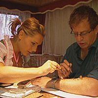 flohzirkus-dreharbeiten-laVita-auf-der-wiesn-mit-janina-nottensteiner-2008