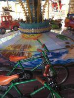 kinderkarussell-mit-fahrrad